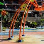 Juegos de agua y chorros en splash pad