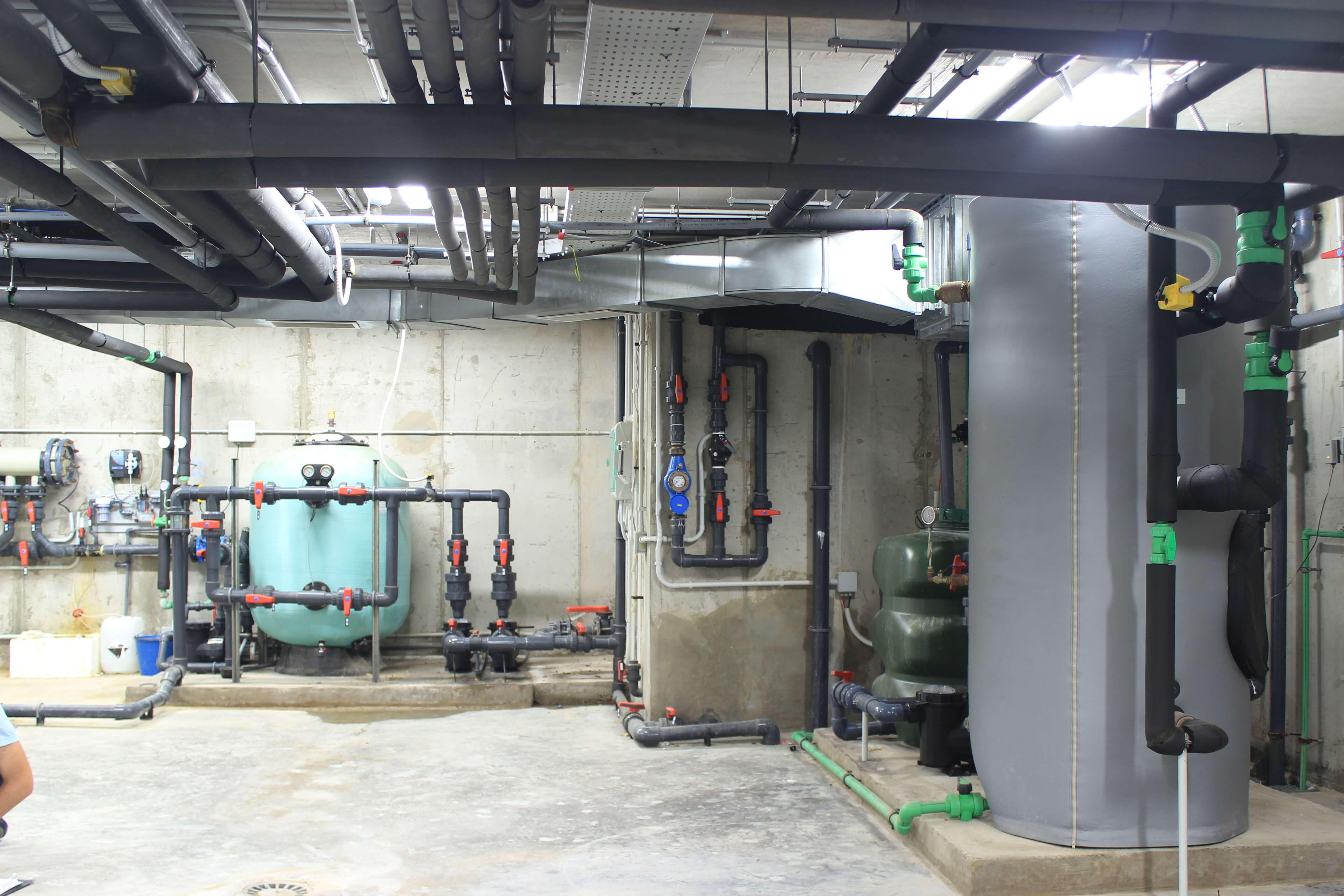 Vista general de parte de la sala de máquinas en sótano