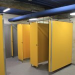 Cabinas de duchas en nuevos vestuarios (fase I)