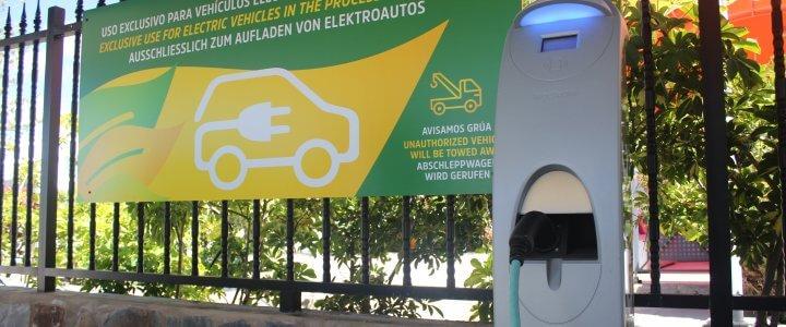 beCordial H&R habilita un nuevo punto de recarga para vehículos eléctricos en Playa del Inglés