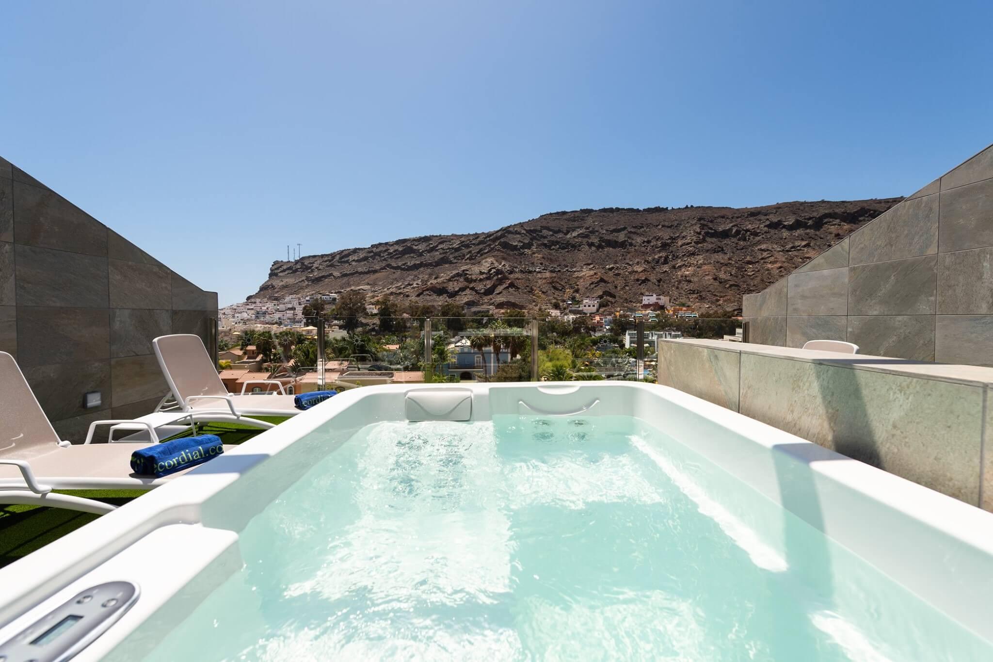 Vistas terraza en cubierta desde bañera hidromasaje