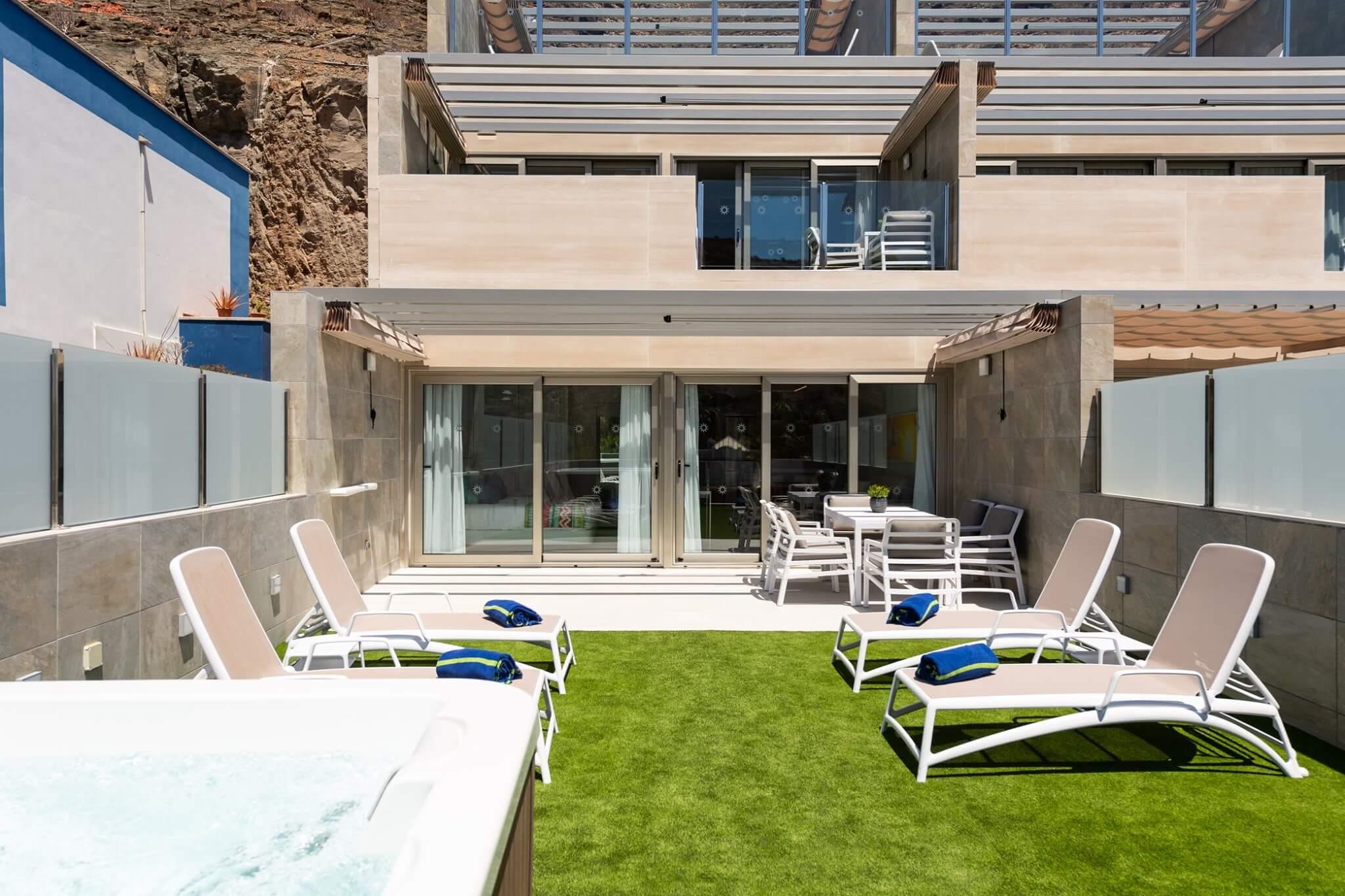 Vistas de la vivienda desde extremo de la terraza en planta primera