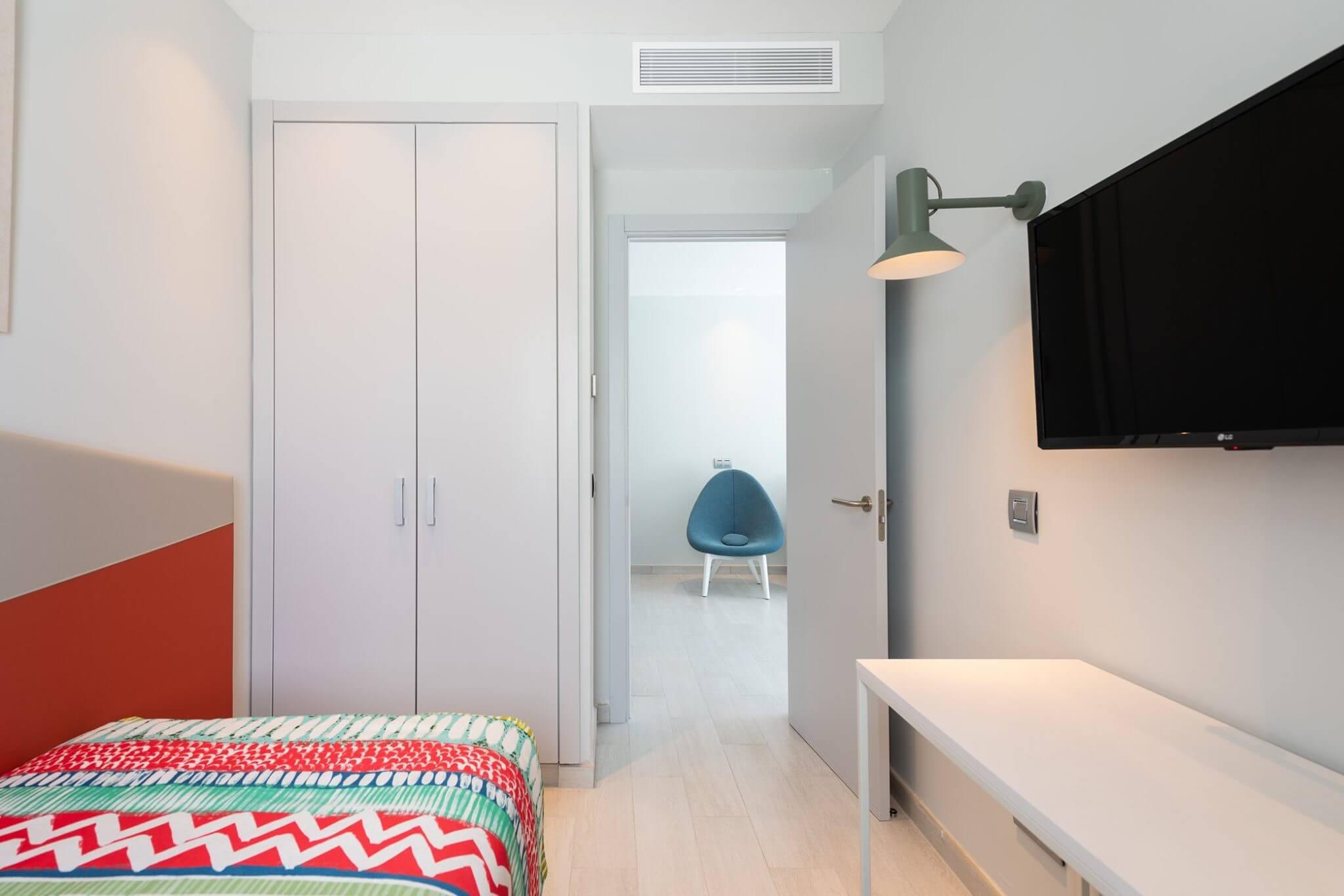 Dormitorio individual en vivienda de planta primera